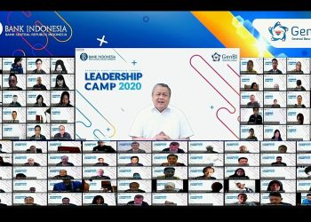 Gubernur Bank Indonesia (BI), Perry Warjiyo dan peserta Webinar Leadership Camp 2020 (Sumber foto: Dept. Kom BI)
